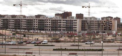Construcción de bloques de vivienda nueva en el PAU Arroyo del Fresno de Madrid.