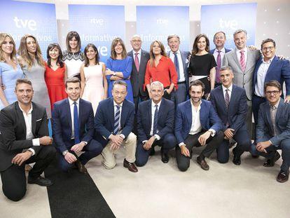 Los presentadores de los informatvios de TVE.