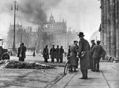 El edificio del Reichstag en la mañana del 28 de febrero de 1933.