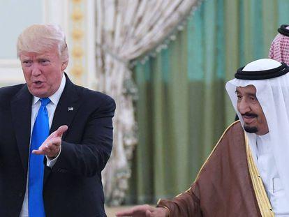 Donald Trump y Salmán bin Abdelaziz, en mayo de 2017 en Riad.