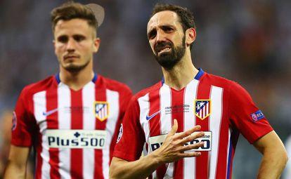 Juanfran lloran junto a Saúl.