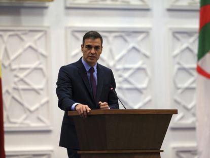 Pedro Sánchez durante uno de sus actos en su viaje a Argelia, este jueves.