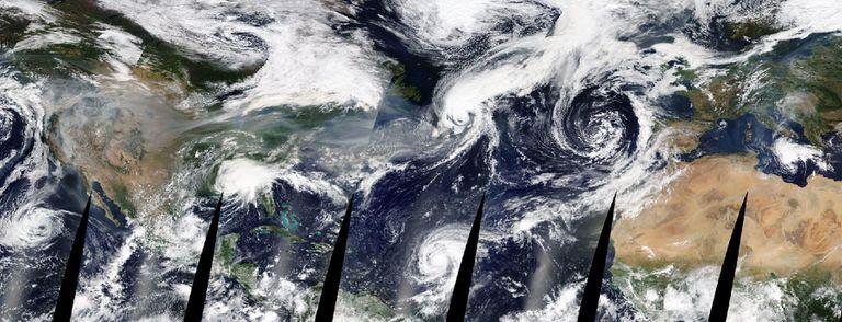 Imagen de los huracanes, tormentas tropicales y el humo de los incendios de EE UU del 16 de septiembre obtenida a través de la herramienta Worldview de la NASA.