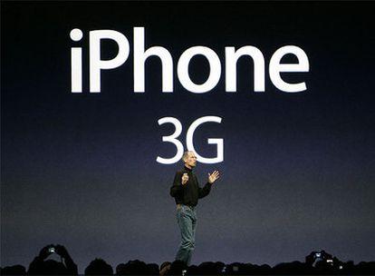 Steve Jobs, en la presentación del nuevo iPhone 3G.