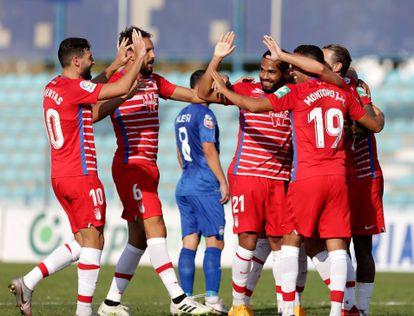 Los jugadores del Granada CF celebran uno de los goles en el partido de clasificación de la UEFA Europa League contra el Teuta este jueves en Durres, Albania