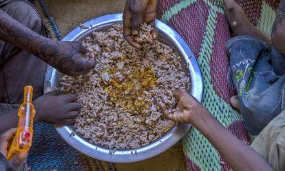 Una familia come en Gafati (Níger).