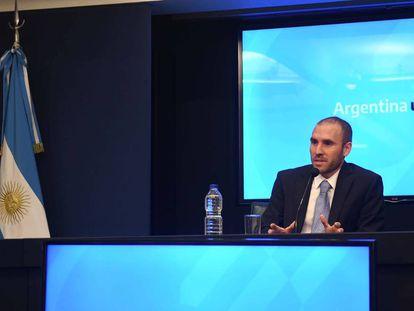 El ministro de Economía de Argentina, Martín Guzmán, durante una rueda de prensa celebrada en Buenos Aires en diciembre pasado.