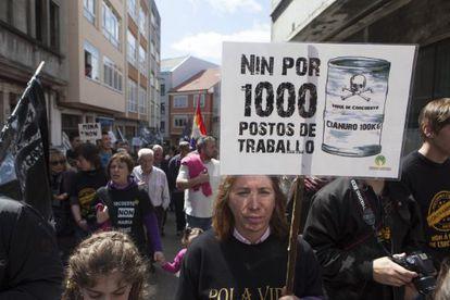 Manifestación contraria a la mina, hoy, en Carballo.