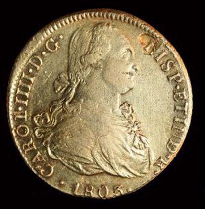 Moneda de oro, con la efigie del rey Carlos IV, procedente del tesoro que llevaba en sus bodegas la fragata Nuestra Señora de las Mercedes