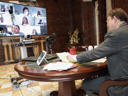 Puig en su reunión por videoconferencia con los portavoces parlamentarios, la vicepresidenta Oltra y la consejera Barceló.