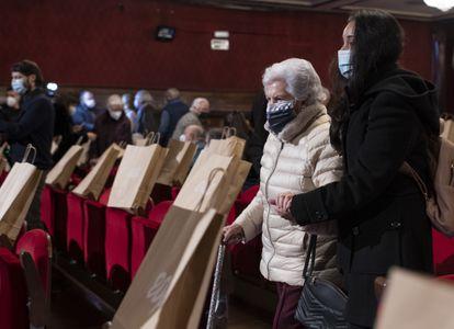 Asistentes, el miércoles, al monólogo de Santi Rodríguez en el teatro EDP Gran Vía, de Madrid.
