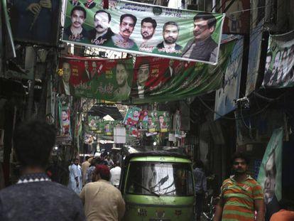 Imagen de una calle de Lahore el pasado viernes.