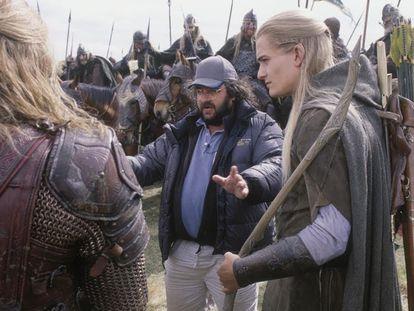 El director Peter Jackson y Orlando Bloom, en una imagen del rodaje de una de las películas de 'El señor de los anillos'.