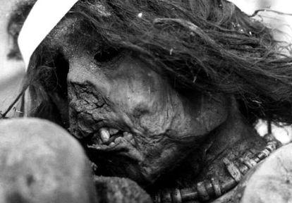 Momia del niño inca sacrificado en 1500.