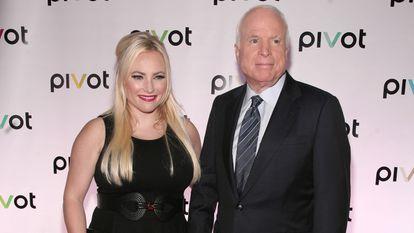 Meghan McCain, con su padre John McCain en una imagen tomada en Nueva York en septiembre de 2013.