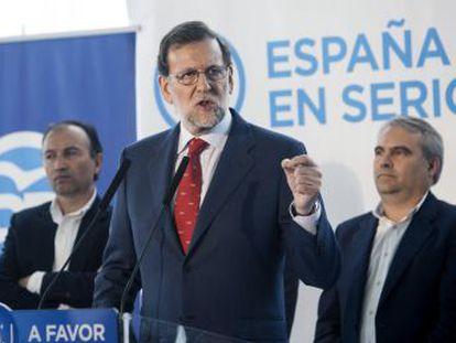 El PSOE propone mantener la tarifa para las rentas medidas y bajas e incrementar la de las rentas del capital. Ciudadanos revisa su oferta
