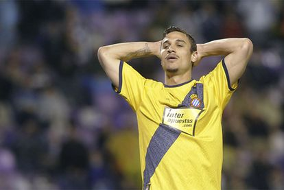 Pablo Daniel Osvaldo, del Espanyol, se lamenta durante el partido ante el Valladolid.