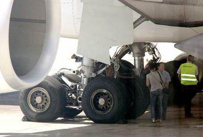 El cuerpo de Adonis G. B., en el tren de aterrizaje del avión procedente de La Habana.
