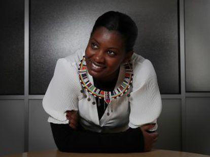 La activista masai Nice Nailantei Leng ete trabaja con Amref Salud África para conseguir que haya ritos alternativos del paso de la infancia a la madurez que no incluyan la mutilación genital femenina