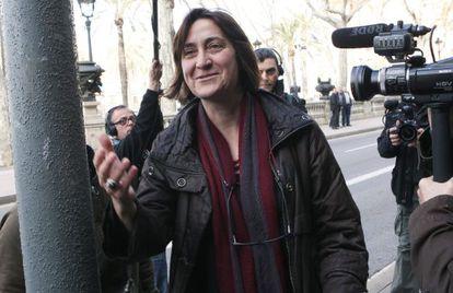 La exconcejal de Barcelona Itziar González a su llegada a la Audiencia de Barcelona.