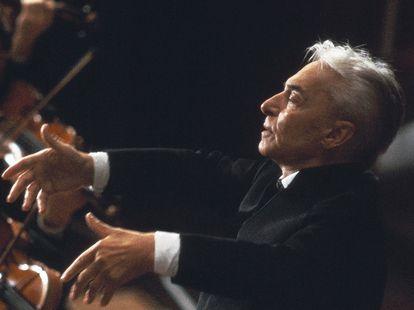 El director de orquesta Herbert von Karajan.
