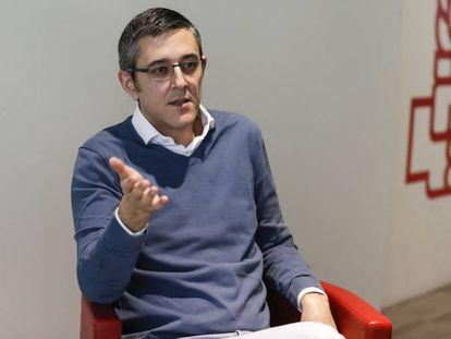Eduardo Madina, durante la entrevista, en la sede central del PSOE.