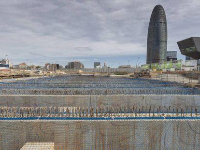 Unas obras en la plaza de Glories en Barcelona