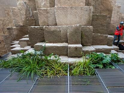 El huerto o jardín creado detrás de la fachada de la Pasión de la Sagrada Familia en 2018 que podrá visitarse.