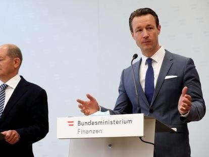 El ministro de Finanzas alemán, Olaf Scholz y su homólogo austriaco, Gernot Blümel, en una rueda de prensa en Viena.
