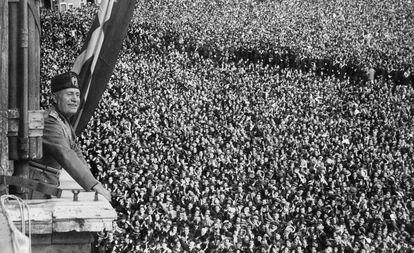 """Benito Mussolini, durante la proclamación del """"Imperio italiano"""" el 9 de mayo de 1936 en Roma."""