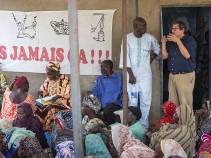El abogado de Human Rights Watch, Reed Brody, visita Yamena esta semana antes del juicio contra Habré en Dakar.