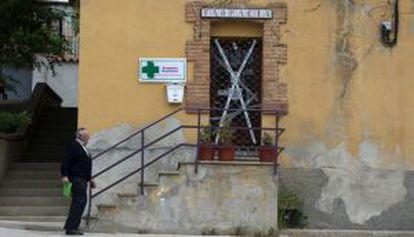 Farmacia de Palomares de Arroyos en la que arrancó la operación 'Pharmakon'.