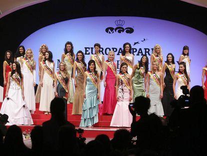 Varias modelos en el certamen de Miss Alemania en 2007.