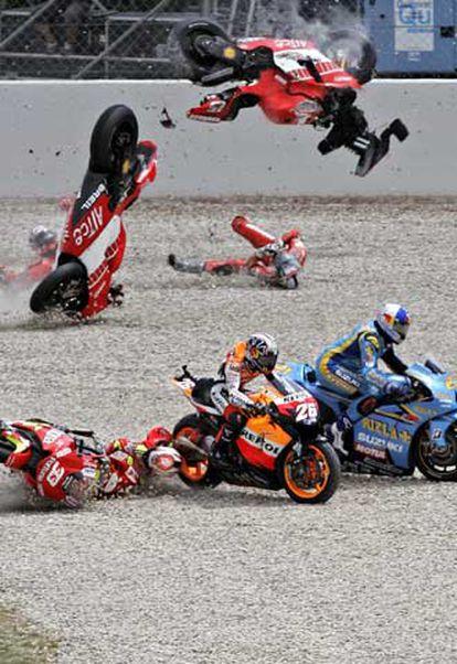 Momento del accidente en el Gran Premio de Cataluña.