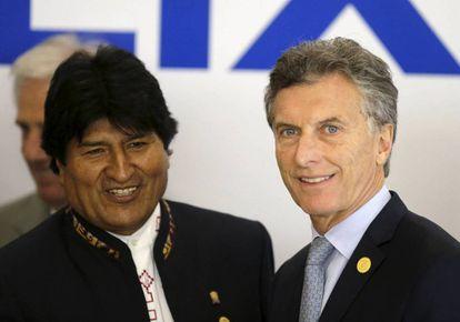 Los presidentes de Bolivia, Evo Morales, y de Argentina, Mauricio Macri.