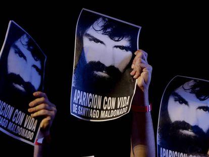 Los argentinos reclaman la aparición con vida del joven artesano.