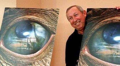 Roy Disney, en septiembre de 2000, durante la presentación de la película <i>Dinosaurs.</i>