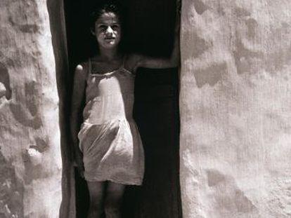 El Reina Sofía presenta una muestra de la publicación que en los cincuenta dio a conocer a los mejores fotógrafos españoles