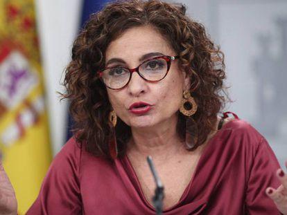 La ministra de Hacienda, María Jesús Montero, este martes tras la rueda de prensa del Consejo de Ministros.