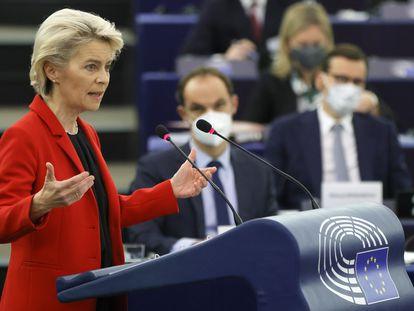 Ursula von der Leyen, durante su intervención este martes en la sede del Europarlamento, en Estrasburgo.