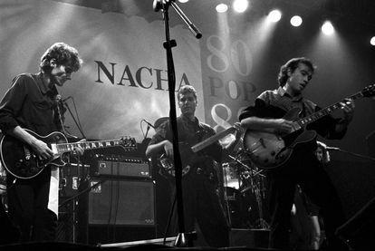 Concierto del grupo Nacha Pop en Madrid, en 1988. Antonio Vega es el primero por la izquierda.