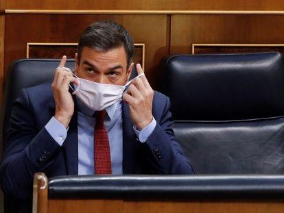 El presidente del Gobierno, Pedro Sánchez, al inicio de la última sesión de control al Ejecutivo este miércoles en el Congreso.
