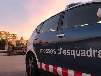 Una patrulla de los Mossos d'Esquadra en Barcelona.