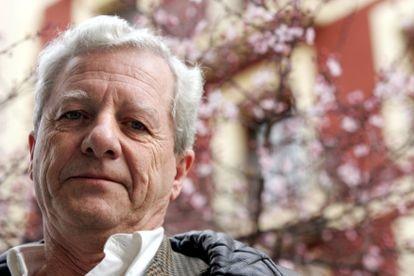 Jorge Martínez Reverte, en 2006 en Madrid.