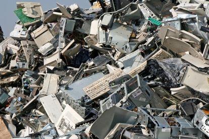 Un vertedero de residuos electrónicos.