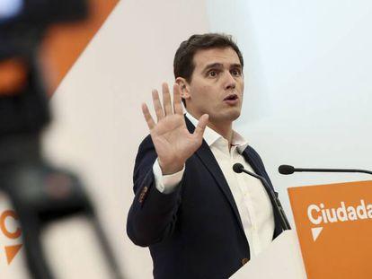 El presidente de Ciudadanos, Albert Rivera, este lunes, en la sede del partido.