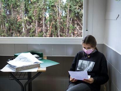 Una alumna de secundaria en un centro valenciano.