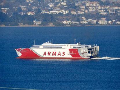 Barco de Naviera Armas, en una imagen facilitada por la compañía.
