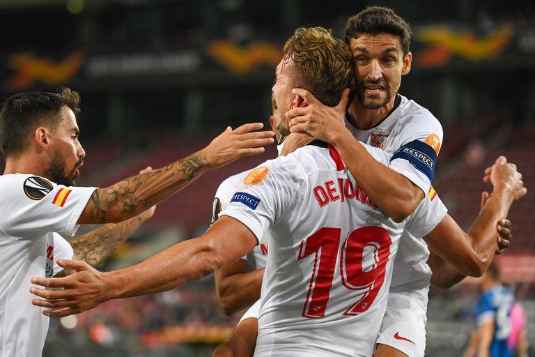 Suso, De Jong y Navas celebran un gol en la final de la Europa League.