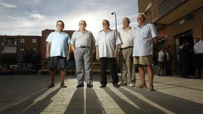 Extrabajadores de la empresa Uralita de Getafe (Madrid) que han sido indemnizados como afectados por el amianto.